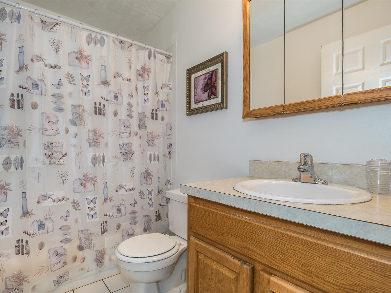 10-TemporaryHousingBridgewater_18_Main-Bathroom