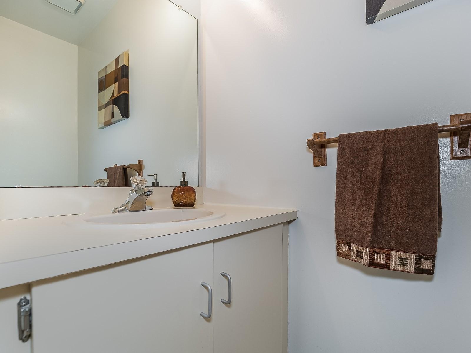 Piscataway 147 Furnished housing bathroom