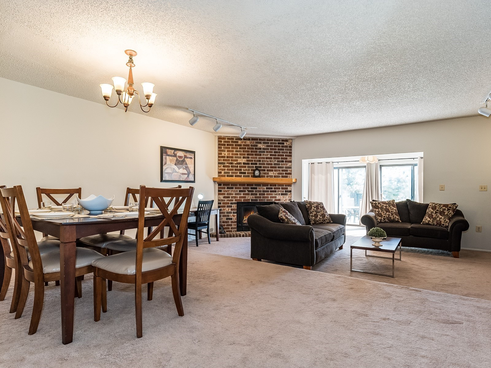 Piscataway 147 Furnished housing 6 person dining table and view into spacious living room