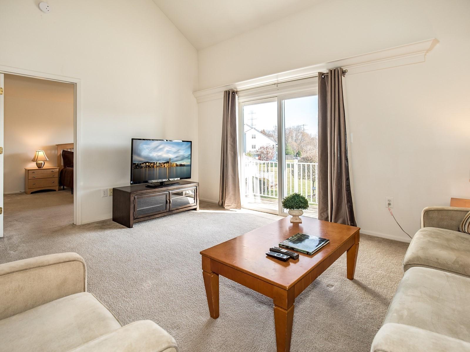 02_Woodbridge-Furnished-Rental-1409_LivingRoom