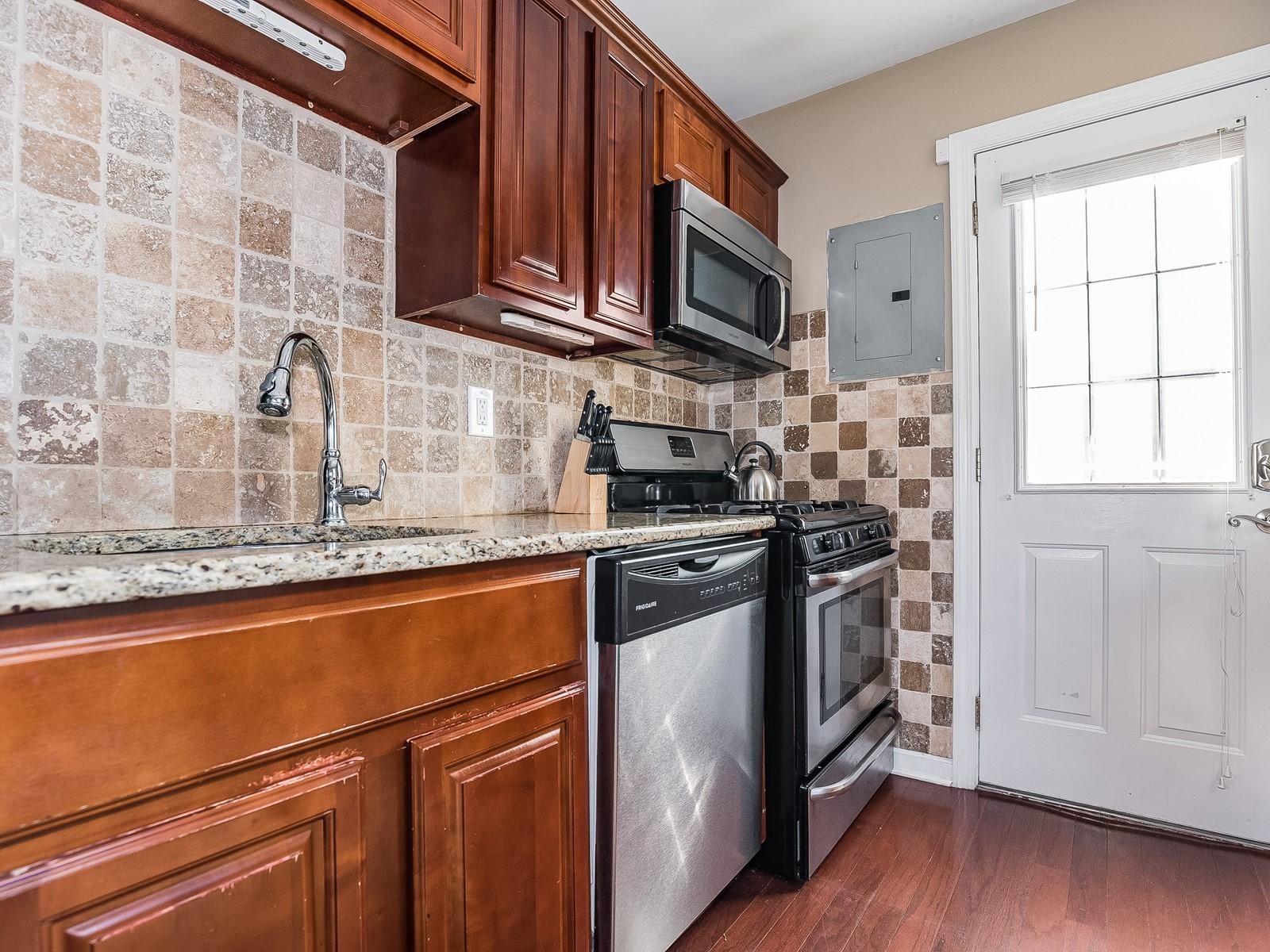 04-Furnished_Apartment_Edison_Kitchen2