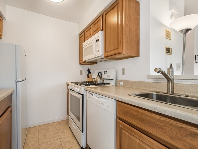 04_Short_Term_Rental_East Brunswick_Kitchen