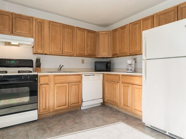 Short term lease furnished kitchen Bridgewater 26