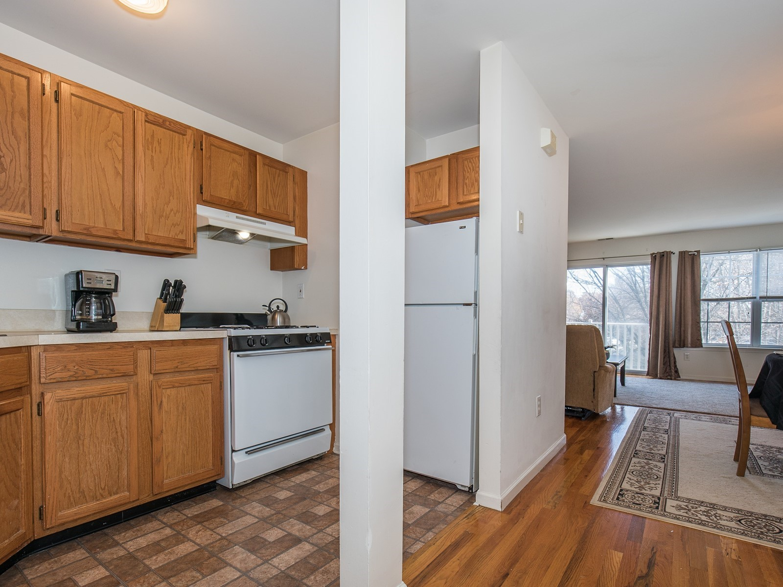 06_TemporaryHousing-South-Plainfield-721_Kitchen2