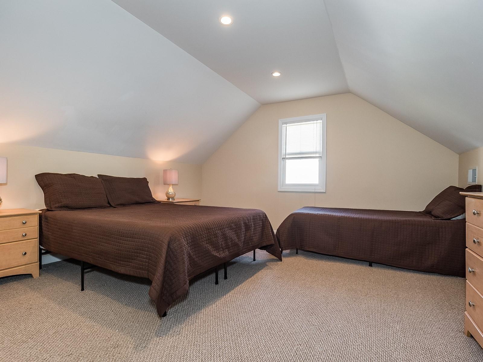 07-Furnished_Apartment_Edison_Bedroom 3