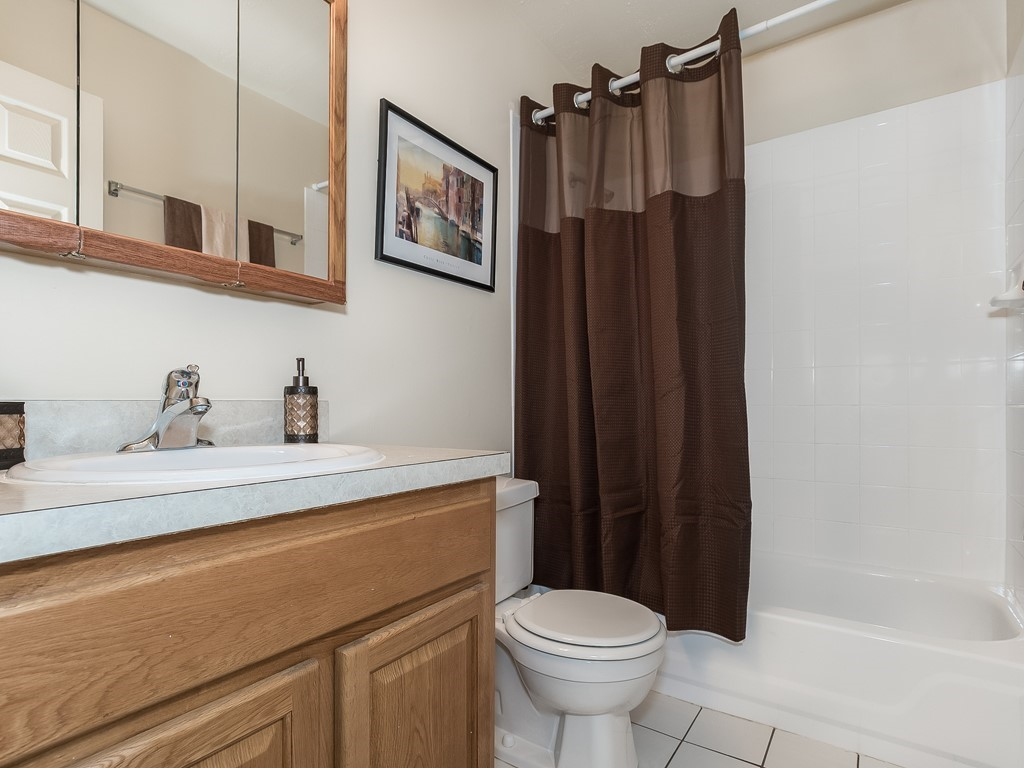 10_ShortTermRental_Bridgewater_32_Bathroom