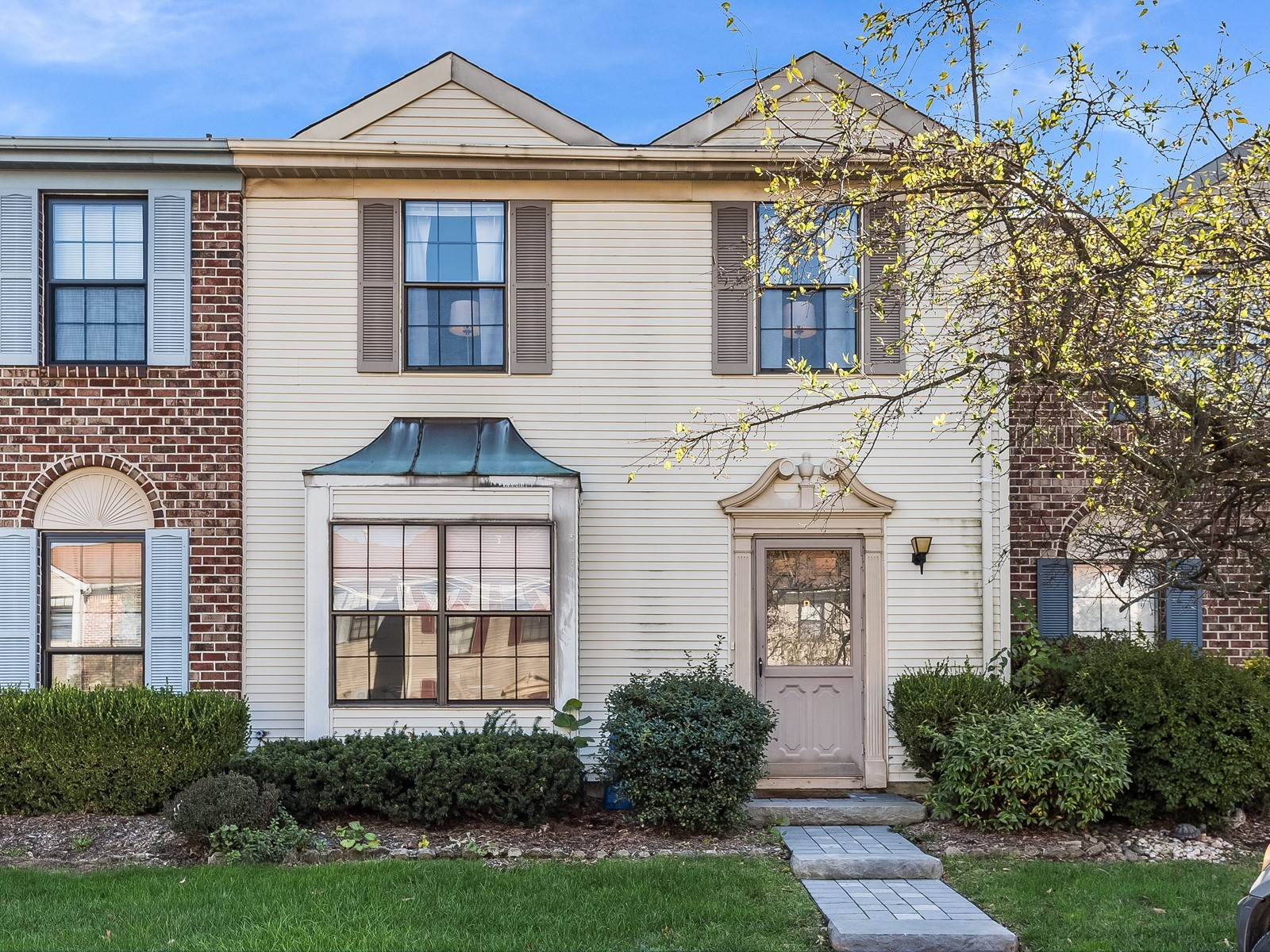 Piscataway 147 Furnished housing front entrance