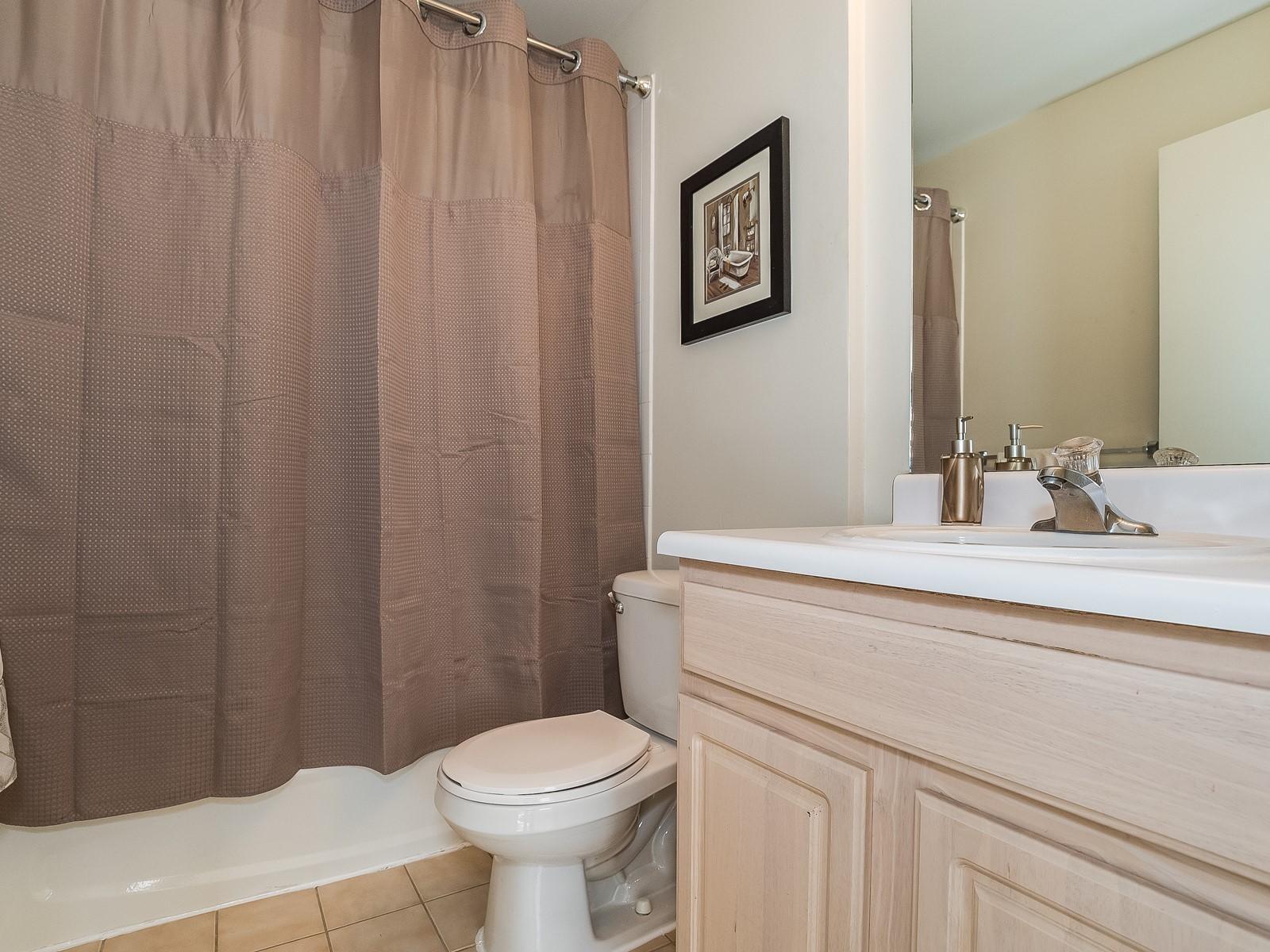 North Brunswick 430 Furnished Rental bathroom 1
