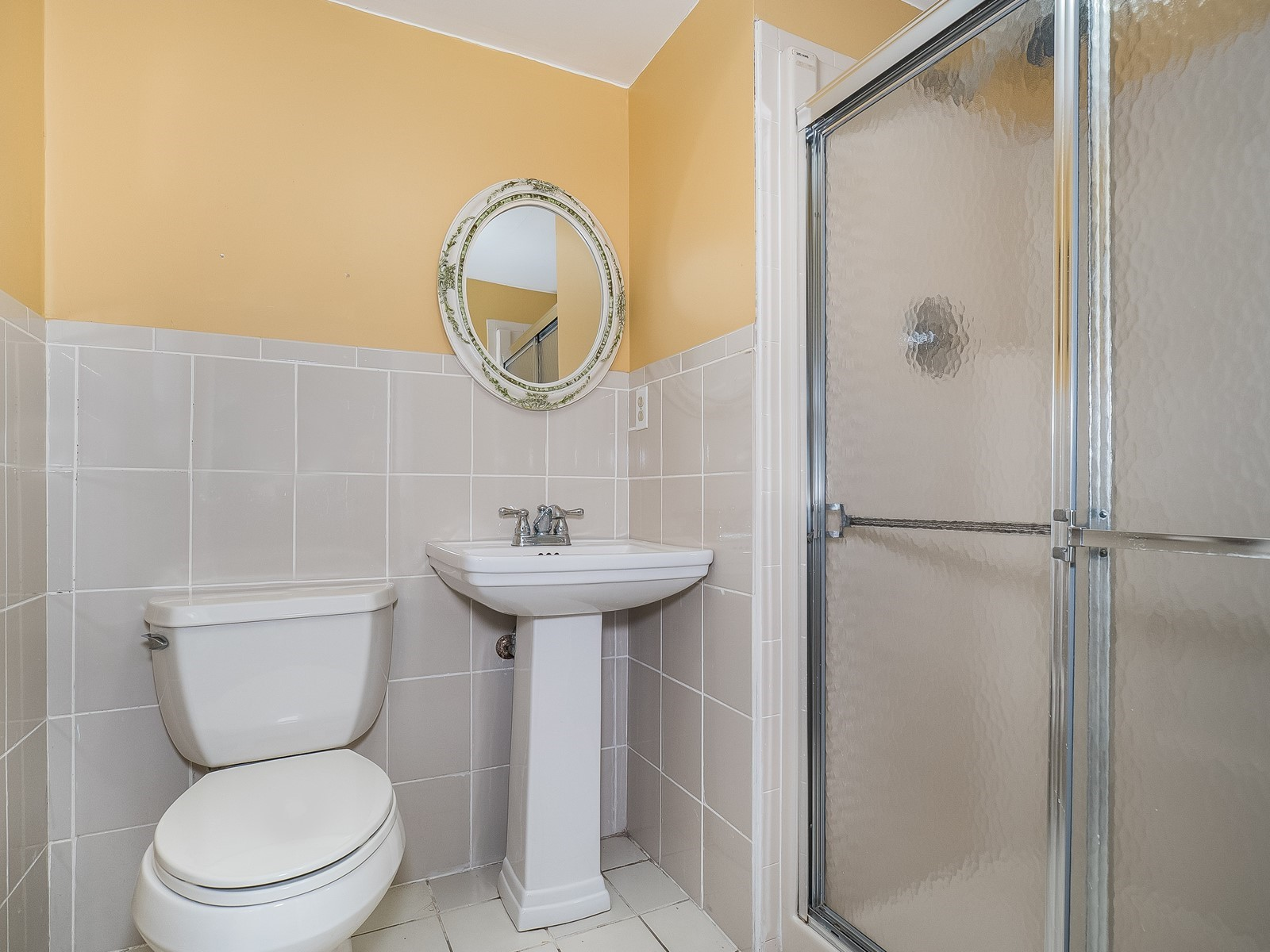 Woodbridge 29 Temporary Housing bathroom