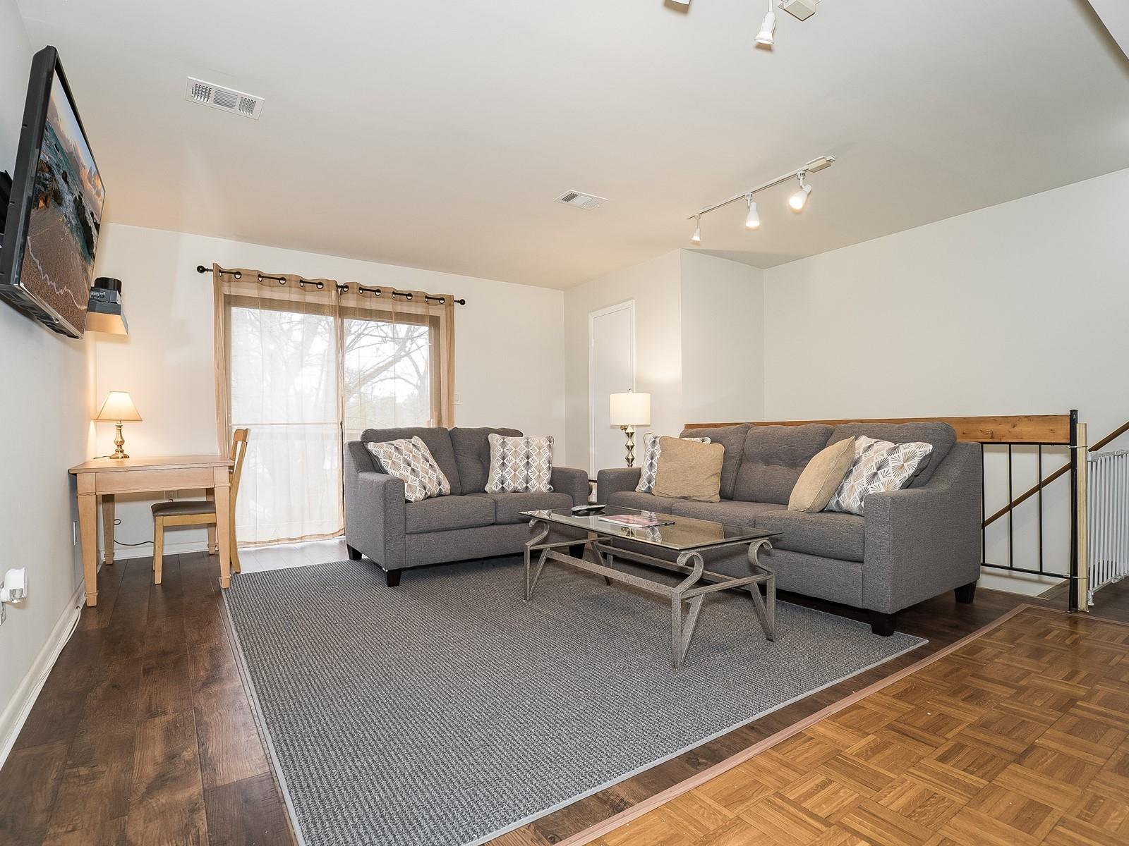 1_Furnished_Apartment_NorthBrunswickNJ_Living Room