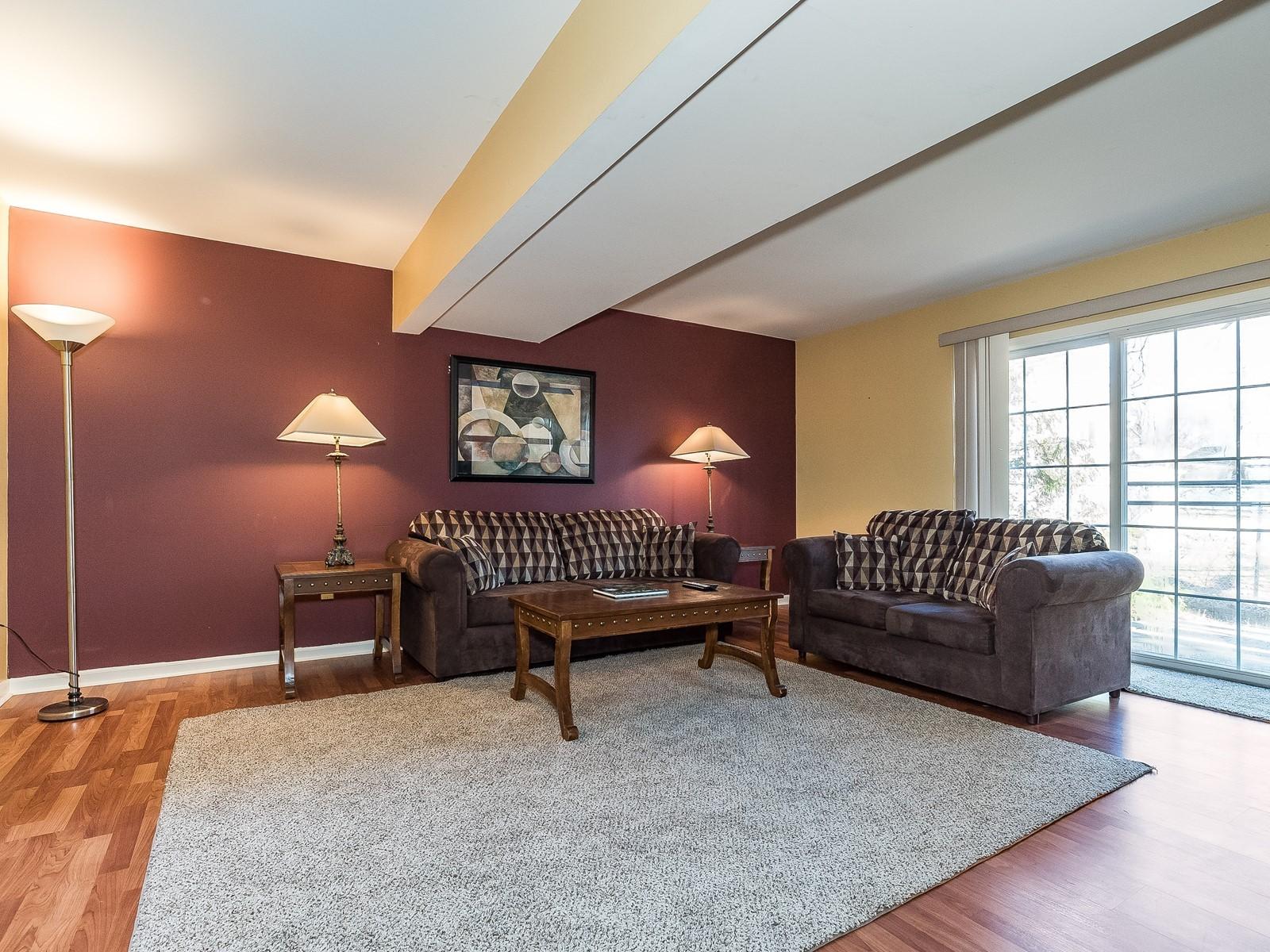 2_Furnished-House-Woodbridge_DownstairsLivingRoom