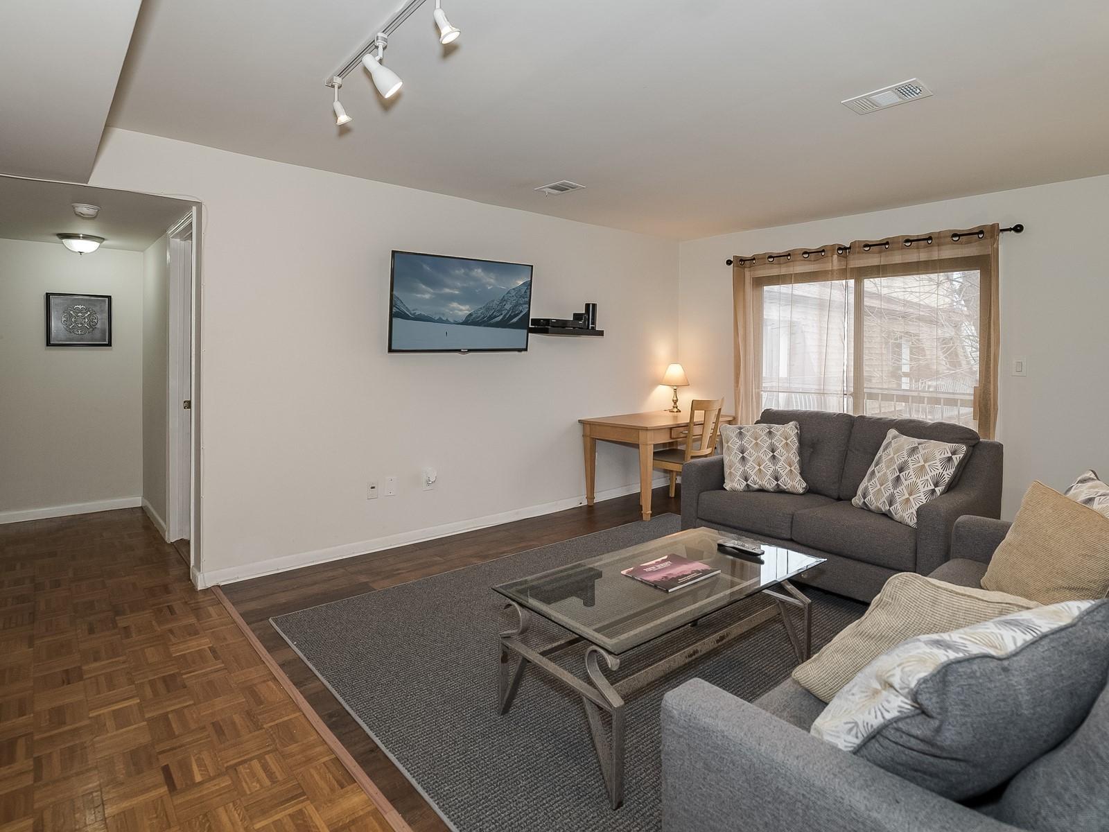2_Furnished_Apartment_NorthBrunswickNJ_Living Room