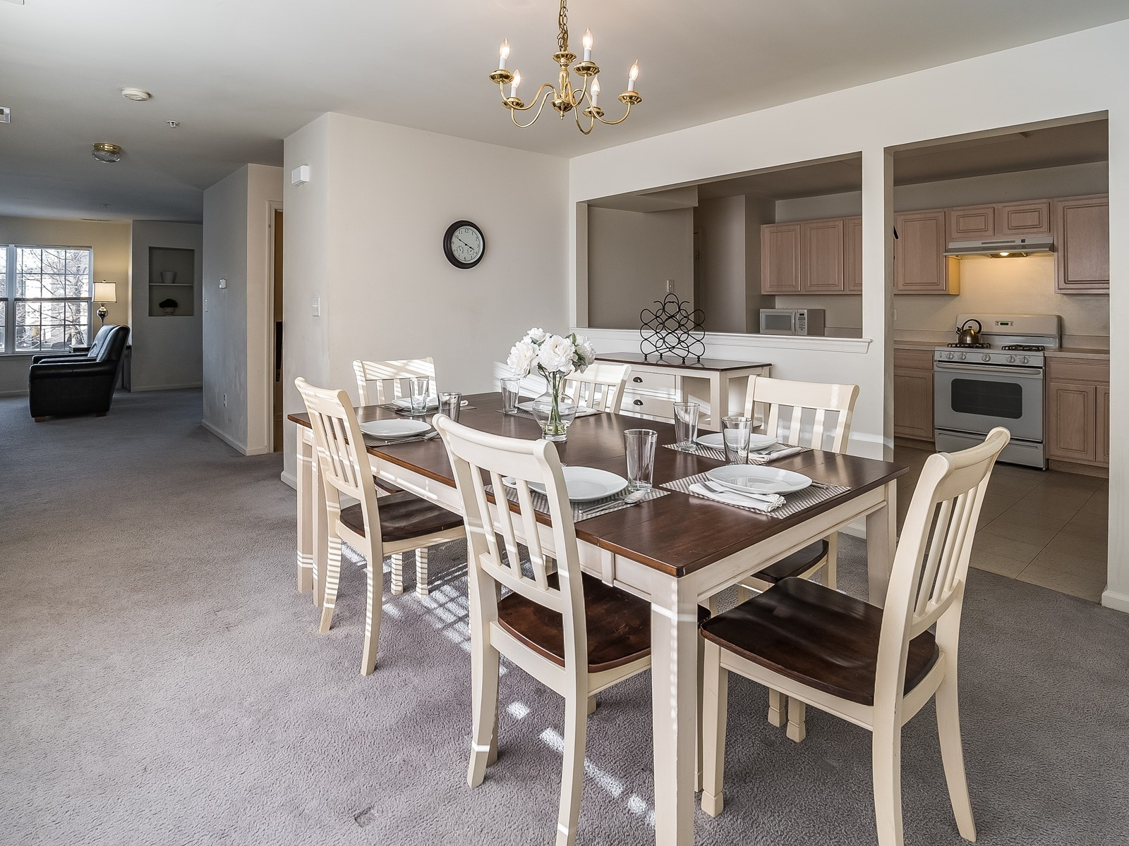 North Brunswick 430 Furnished Rental Dining room with table for 6 and view into kitchen