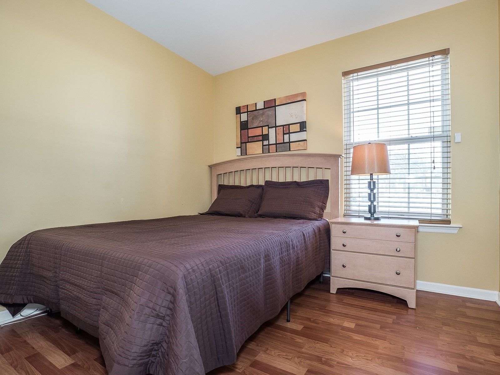 3_Furnished-House-Woodbridge_DownstairsBedroom