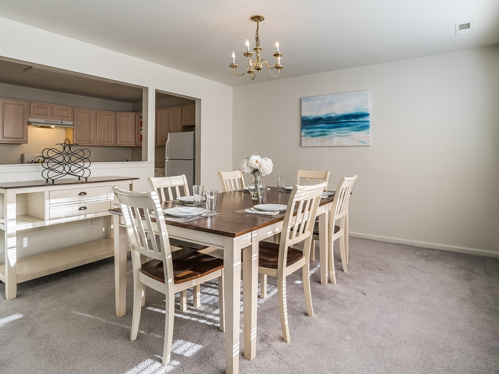 North Brunswick 430 Furnished Rental dining room