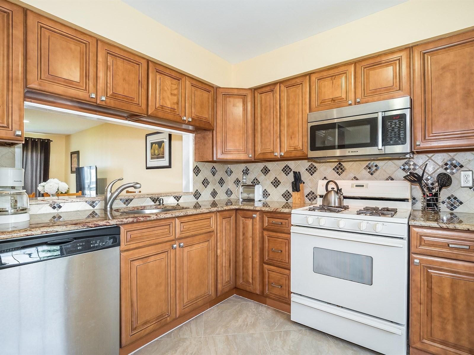 Woodbridge 4 Temporary Housing furnished kitchen