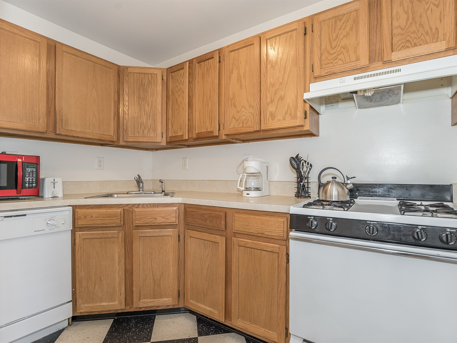 5-SouthPlainfield Furnished Apartment_Kitchen