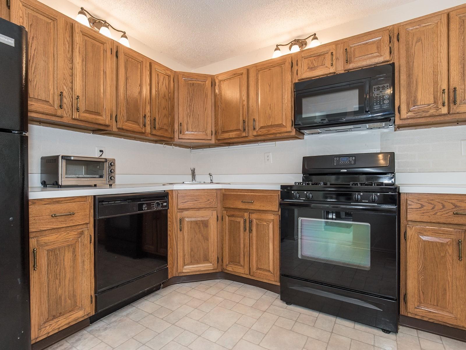 Piscataway 260 short term rental furnished kitchen