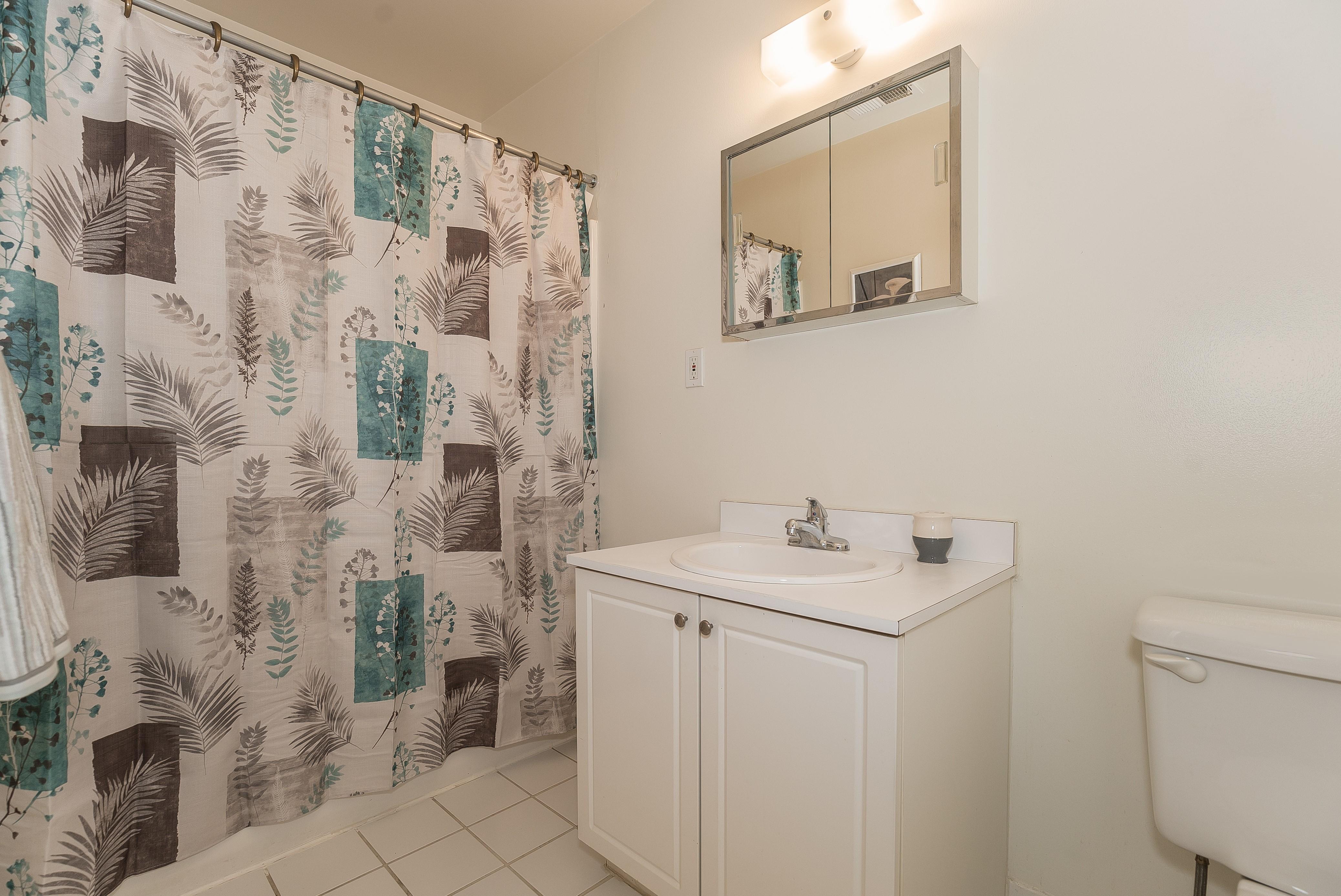 7-Short_Term_Housing_South_Plainfield_724_Bathroom