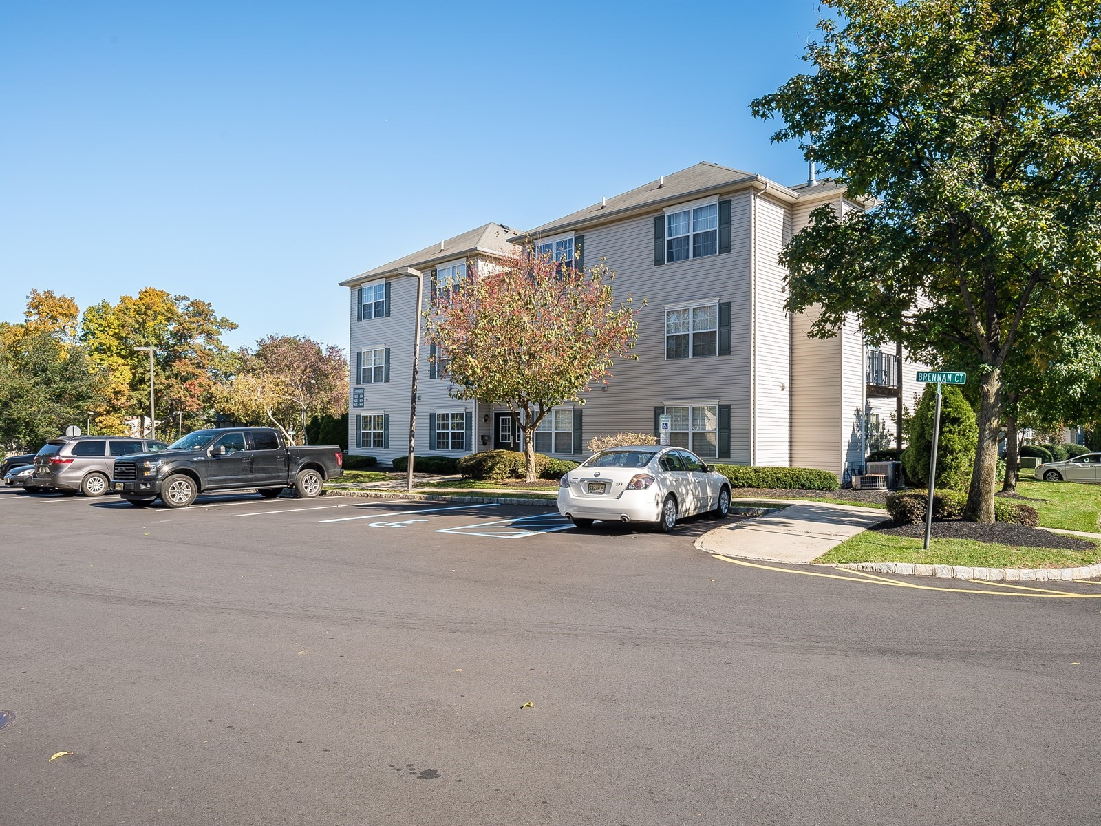 7-SouthPlainfield Furnished Apartment_Building