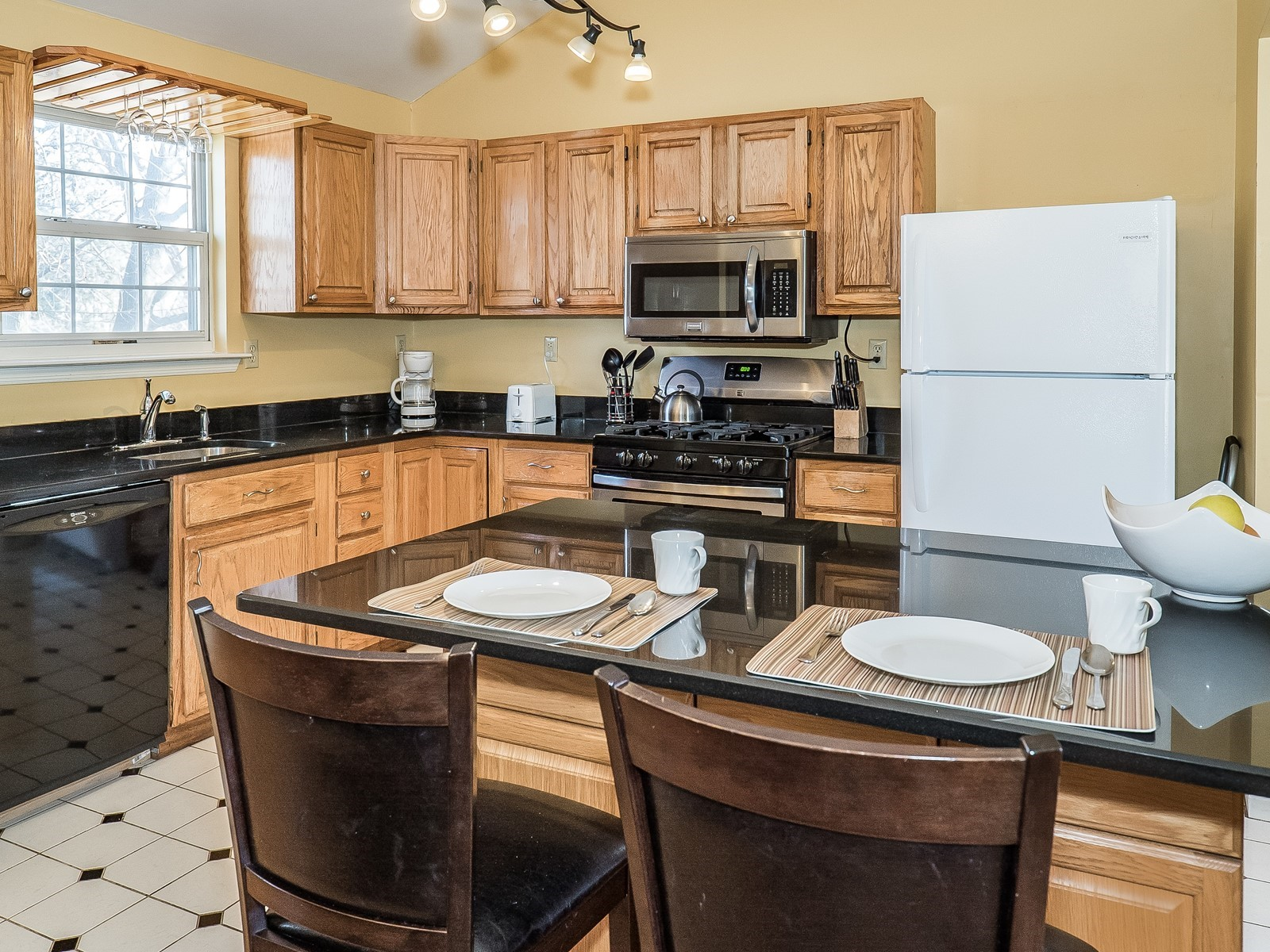 8_Furnished-House-Woodbridge_Kitchen