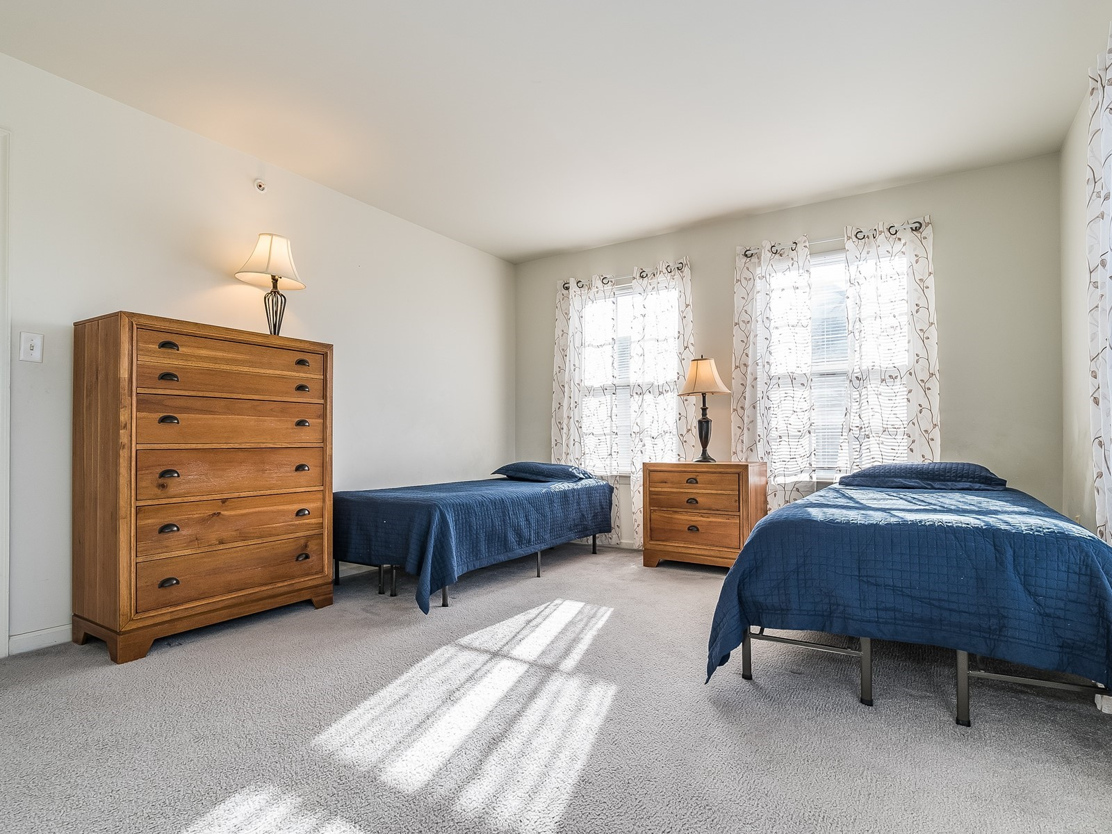 North Brunswick 430 Furnished Rental third bedroom with two twin beds