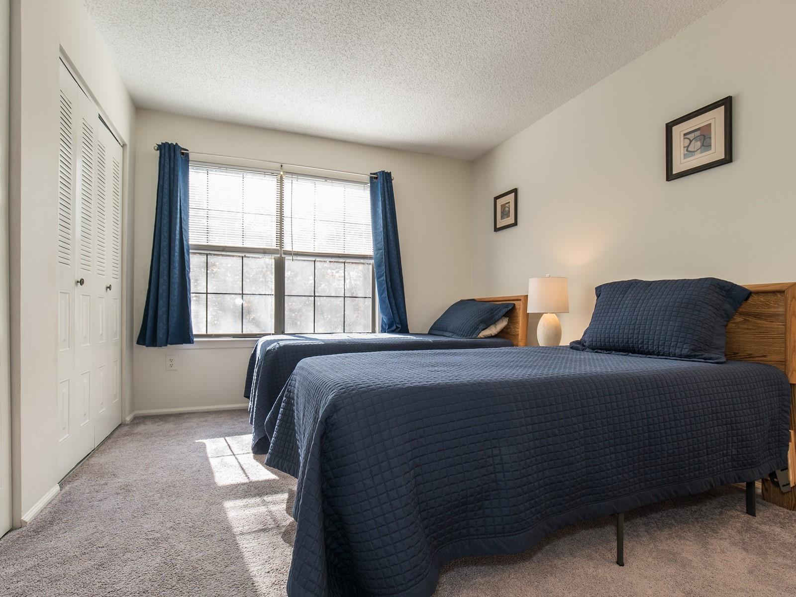 Piscataway 260 short term rental bedroom 2 with twin beds