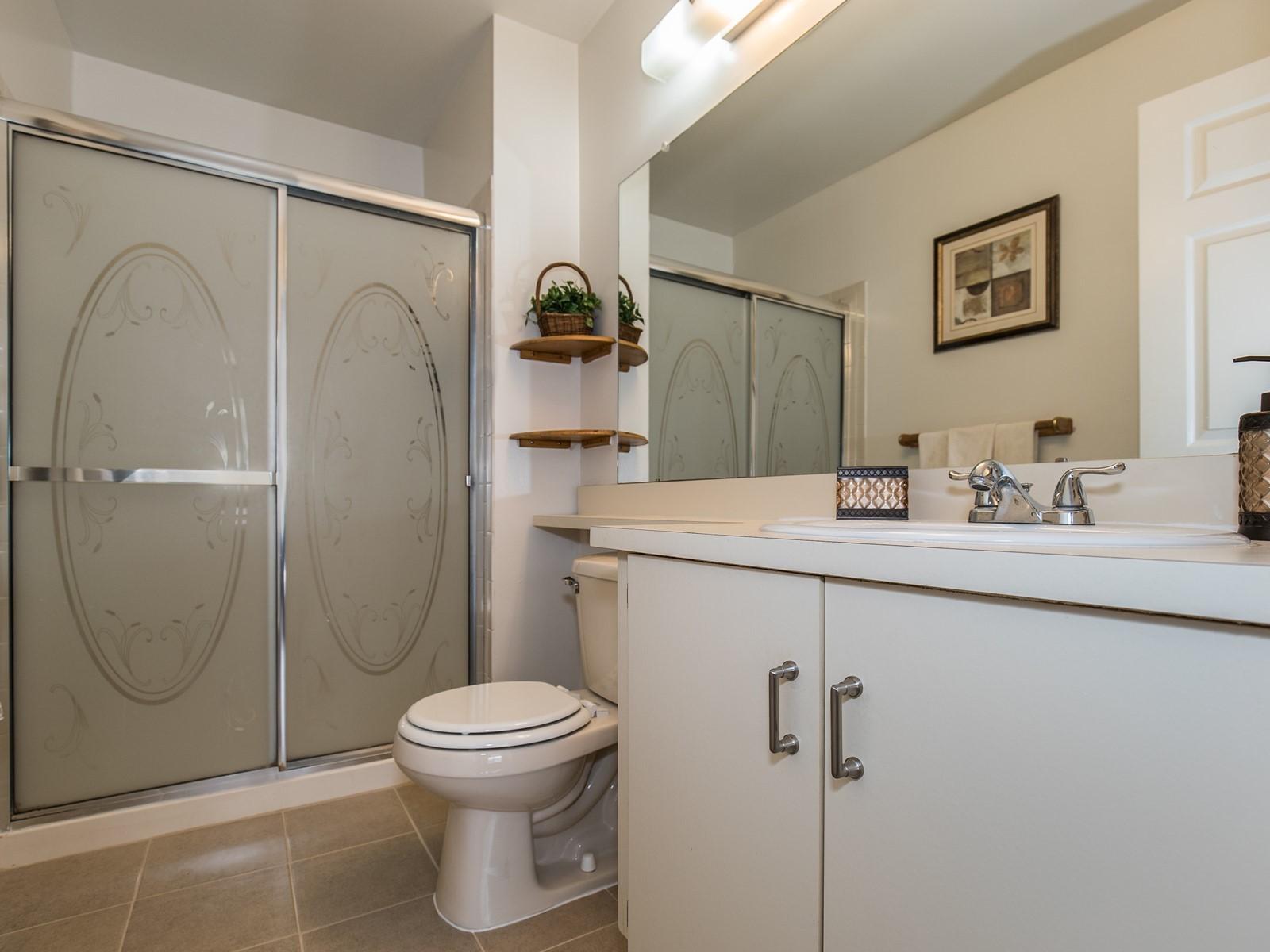 Piscataway 260 short term rental master bedroom
