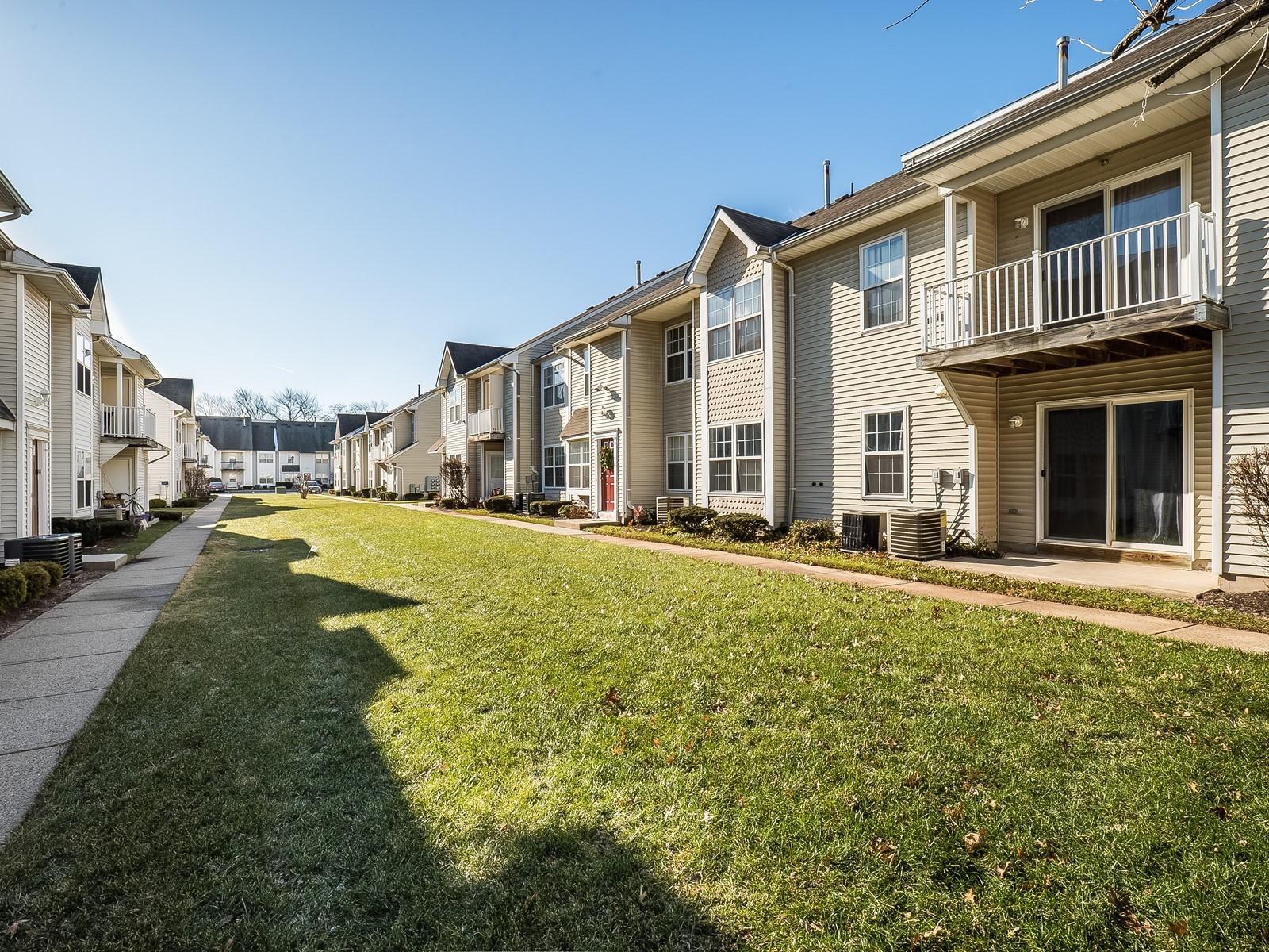 11_Woodbridge_Temporary_Housing_801_Exterior