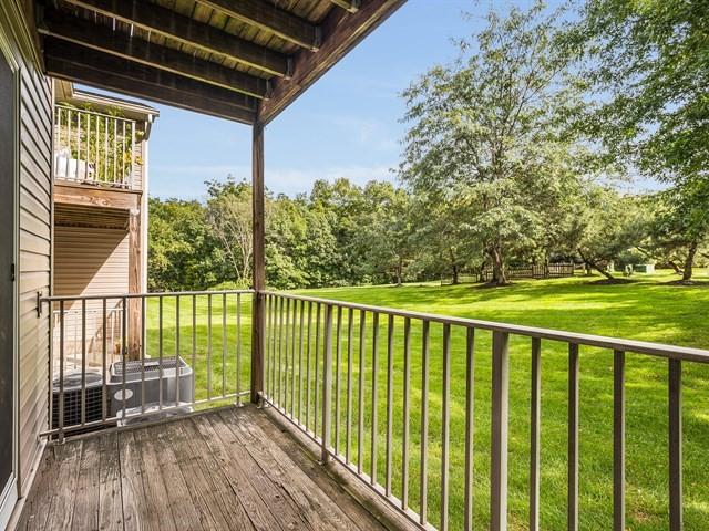 13_Bridgewater-short-term-rental_Porch