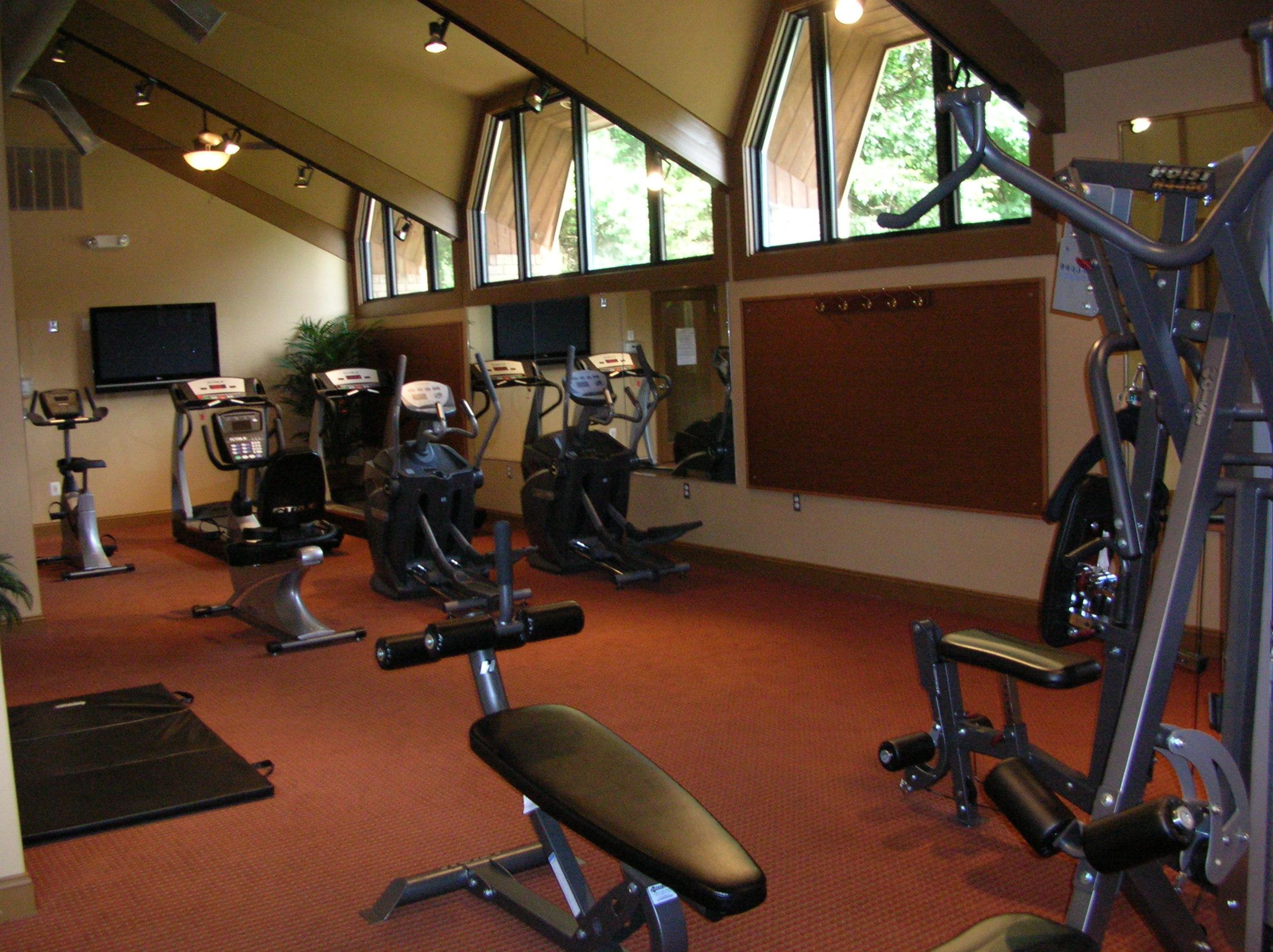 16-FurnishedApartmentNorthBrunswick-11A_FitnessRoom