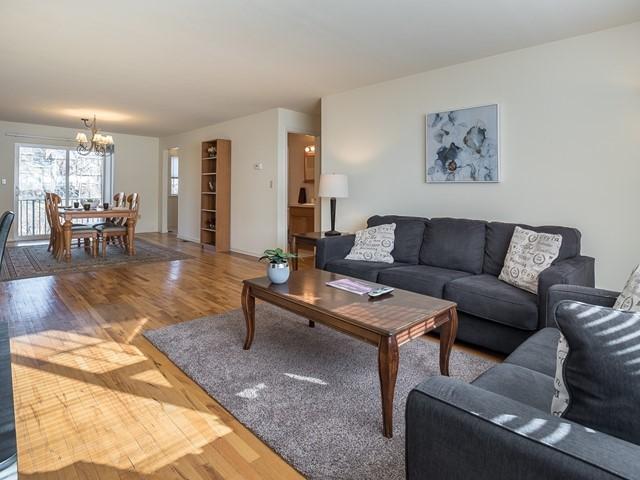 2-Furnished-Apartment-Bridgewater__LivingRoom-DiningRoom