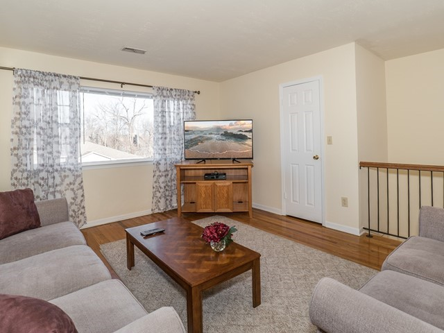 2_Bridgewater-short-term-rental_Living Room2