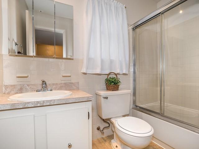 North Brunswick 1212 furnished housing bathroom