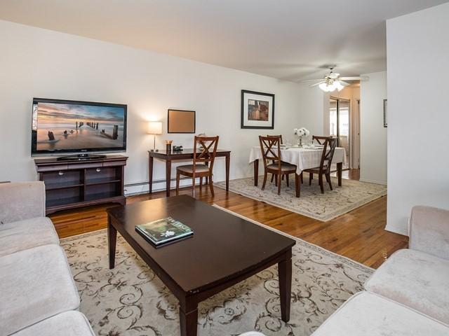 3-Temporary_Housing_Hillsborough_Living Room3