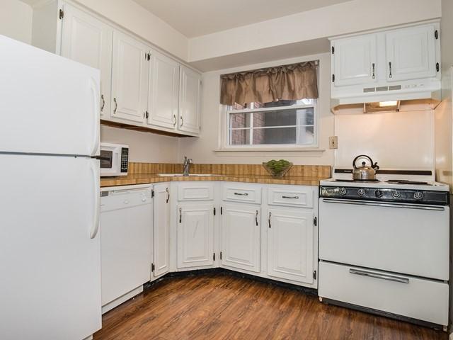 6-Temporary_Housing_Hillsborough_Kitchen