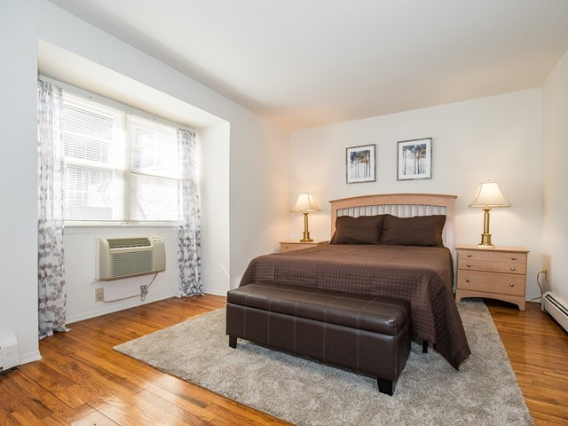 7-Temporary_Housing_Hillsborough_Master Bedroom