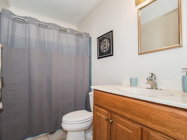 8-Temporary_Housing_Hillsborough_Bathroom