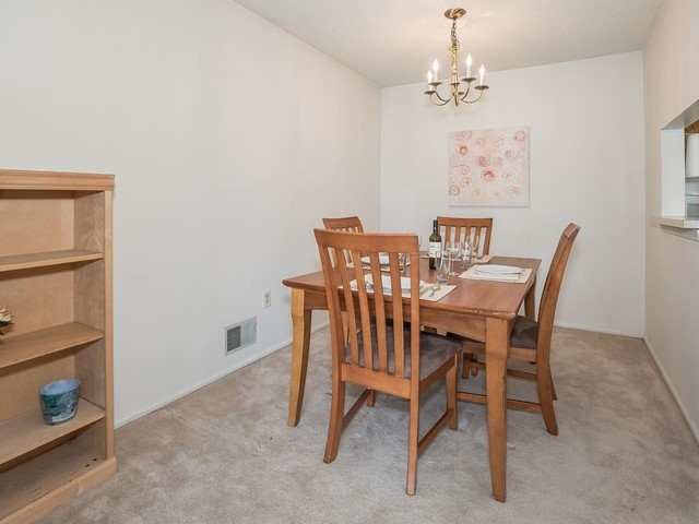 4_Funished Apartment_ Piscataway_Dining Room