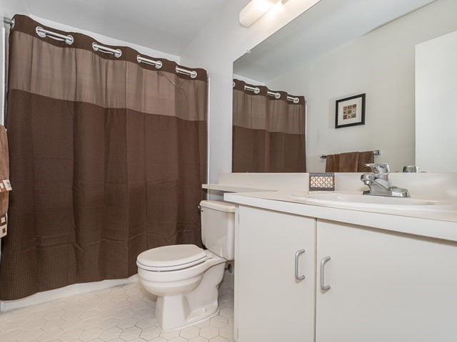 9 _Furnished Rental Piscataway_ Hall Bathroom